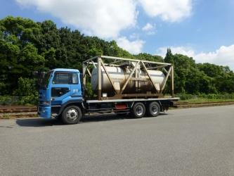 専用タンクによる化成品(液体)の輸送も可能です。